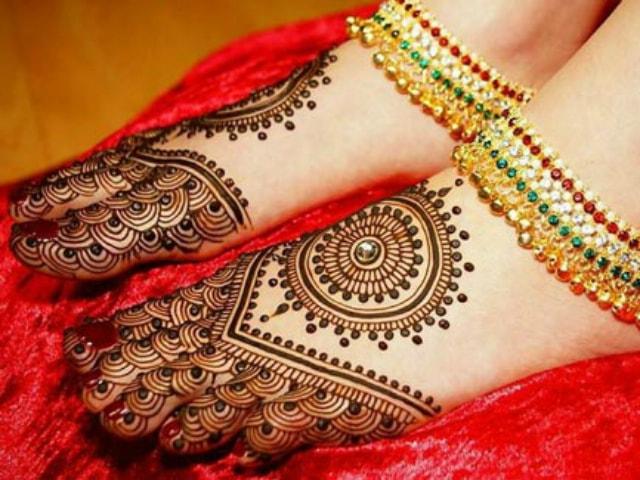 Trending Henna Designs For Feet Indian Bridal Mehendi Design 4
